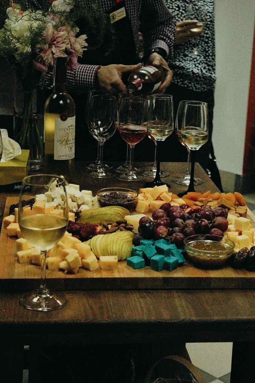 """Атмосферный магазин голландских сыров """"Сырное королевство"""" открыт для мариупольцев, фото-1"""