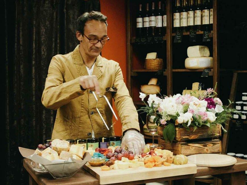 """Атмосферный магазин голландских сыров """"Сырное королевство"""" открыт для мариупольцев, фото-3"""