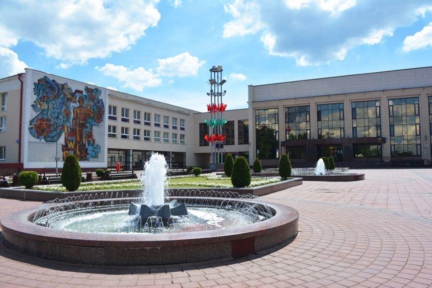 В Новополоцке проходят выпускные. ФОТОРЕПОРТАЖ, фото-1