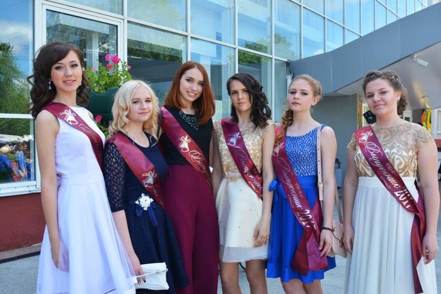 В Новополоцке проходят выпускные. ФОТОРЕПОРТАЖ, фото-4