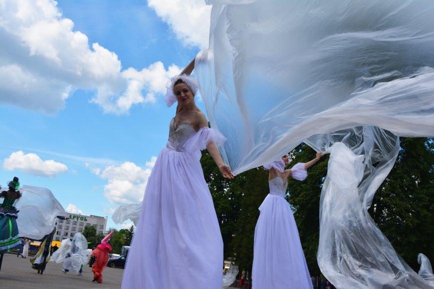 В Новополоцке проходят выпускные. ФОТОРЕПОРТАЖ, фото-12