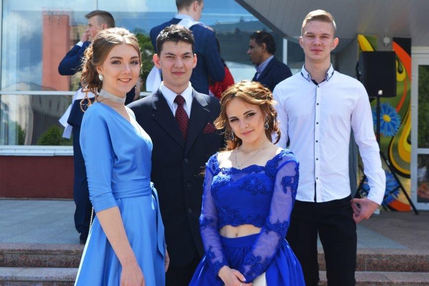 В Новополоцке проходят выпускные. ФОТОРЕПОРТАЖ, фото-3