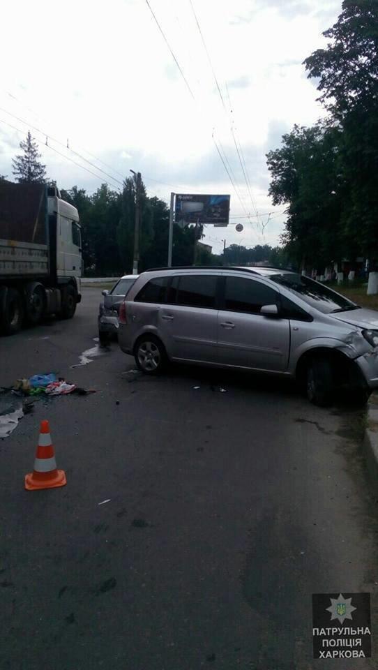 В Октябрьском районе ДТП с переворотом: двое пострадавших (ФОТО), фото-1