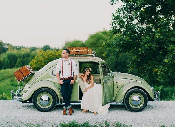 retro_avtomobil_na_svadebnoy_fotosessii