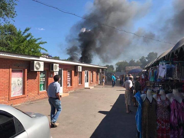 В Мариуполе на рынке горел контейнер (ФОТО), фото-2