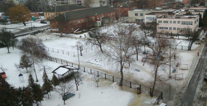 Власти Сум пообещали обустроить пешеходную дорожку для учеников школы №20, фото-1