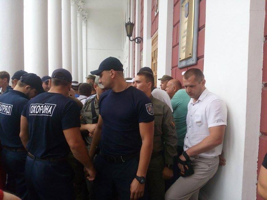 Скорая, пожарные, нацгвардия: Одесская мэрия в глубокой осаде (ФОТО), фото-5