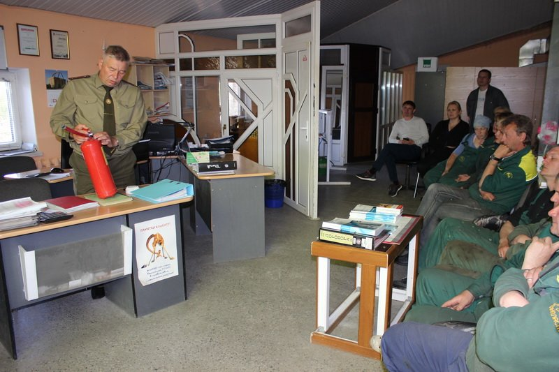 Начальник Новополоцкого ГОЧС провел разъяснительную беседу с трудовыми коллективами города, фото-2