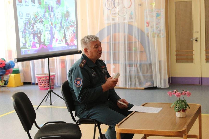 Начальник Новополоцкого ГОЧС провел разъяснительную беседу с трудовыми коллективами города, фото-1