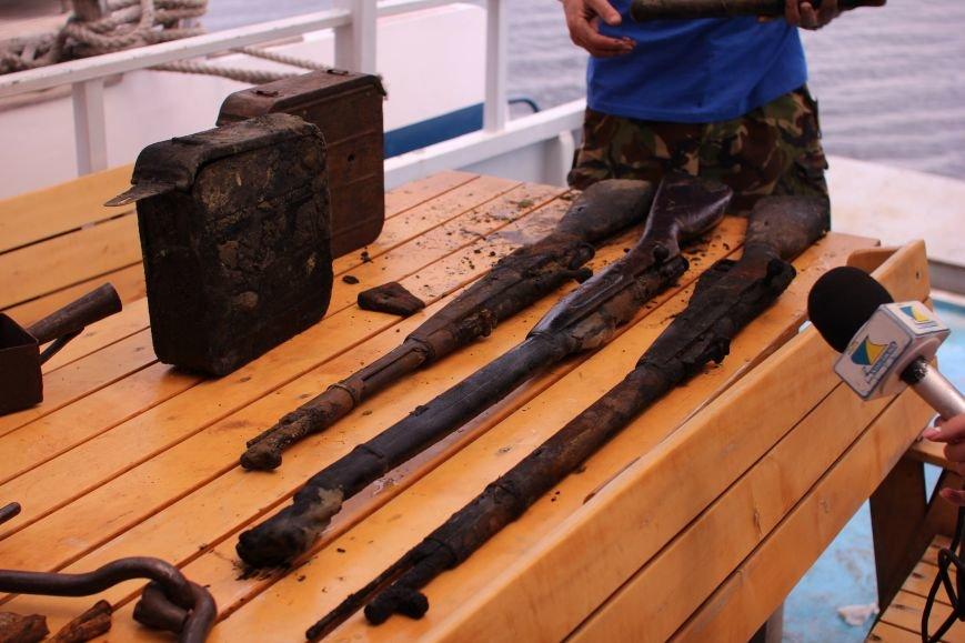 Запорожские археологи исследуют затонувшее на дне Днепра десантно-штурмовое судно времен Второй мировой, — ФОТОРЕПОРТАЖ, фото-15