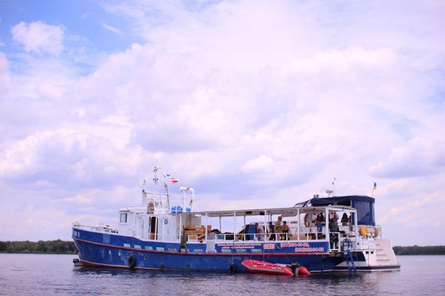 Запорожские археологи исследуют затонувшее на дне Днепра десантно-штурмовое судно времен Второй мировой, — ФОТОРЕПОРТАЖ, фото-1
