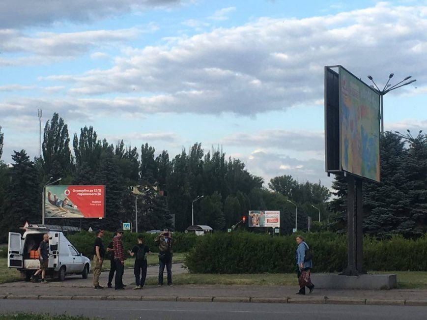 К билборду с террористами на обломках ИЛ -76 криворожане вызвали полицию и СБУ (ФОТО, ВИДЕО), фото-7