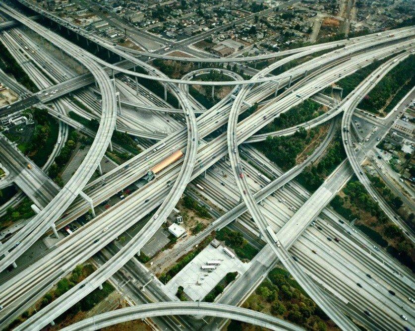 Бетонные дороги, многоуровневые парковки и скоростные поезда: чего не хватает Харькову для комфортной жизни (ФОТО), фото-1