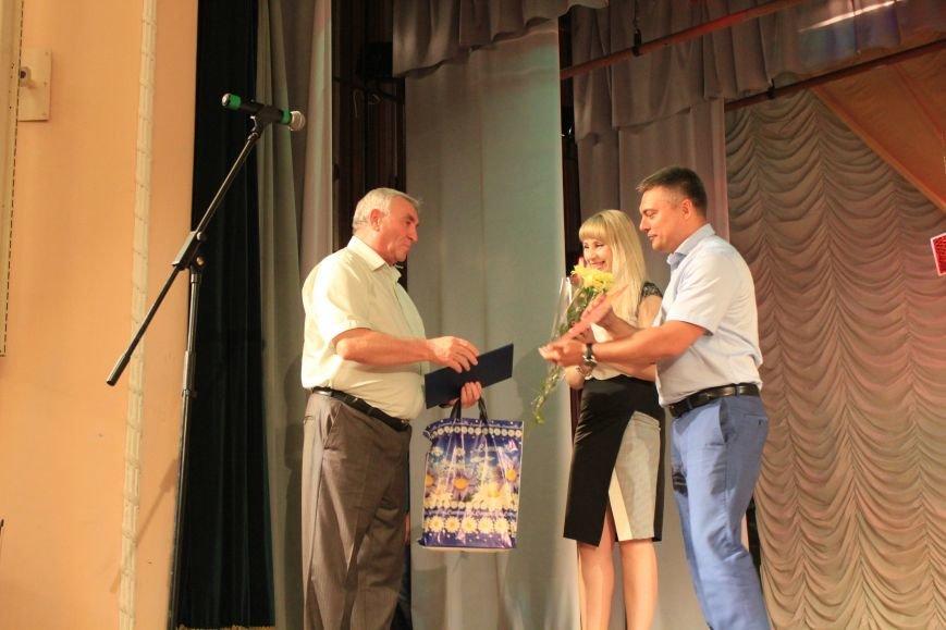 Мариупольских медиков поздравили с профессиональным праздником (ФОТО), фото-3