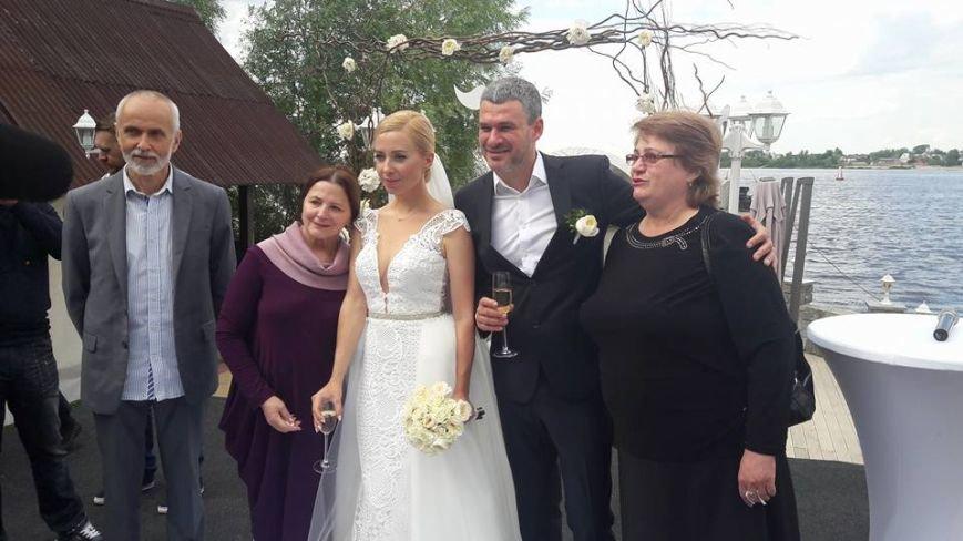На свадьбу к известному запорожскому певцу пришли Александр Пономарев и Сашко Положинский, - ФОТО, ВИДЕО, фото-5