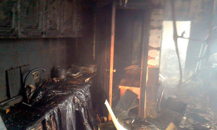 В мариупольской Сартане сгорели три магазина (ФОТО), фото-2