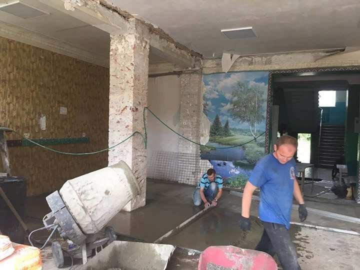 В авдеевских школах началась пора ремонтов (ФОТОФАКТ), фото-1