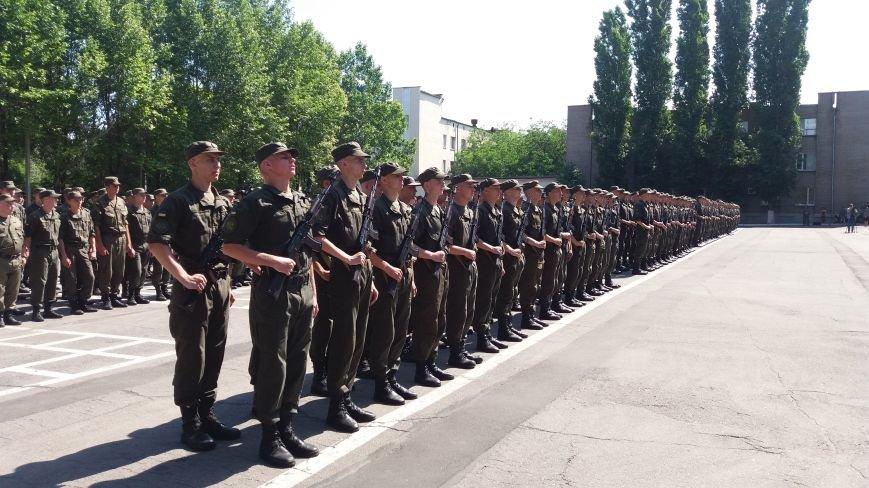 В Запорожье 150 нацгвардейцев-срочников присягнули на верность Украине, фото-4