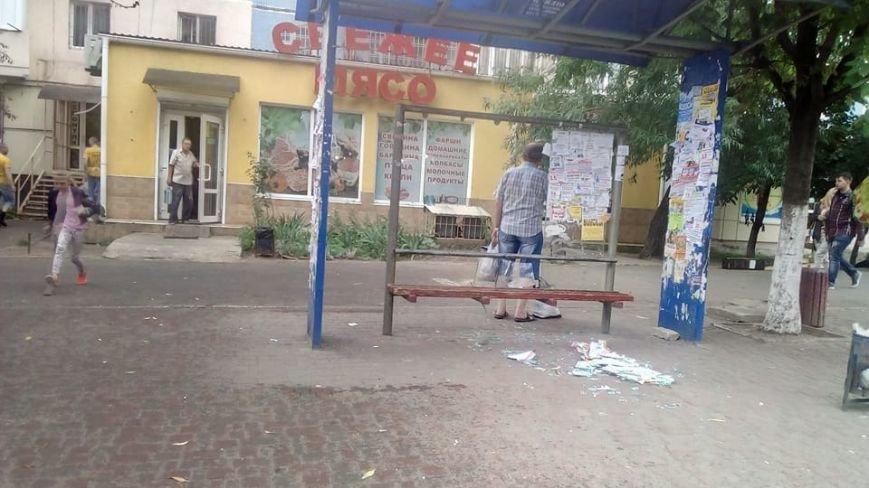 В Одессе хулиганы разгромили остановку (ФОТО), фото-2