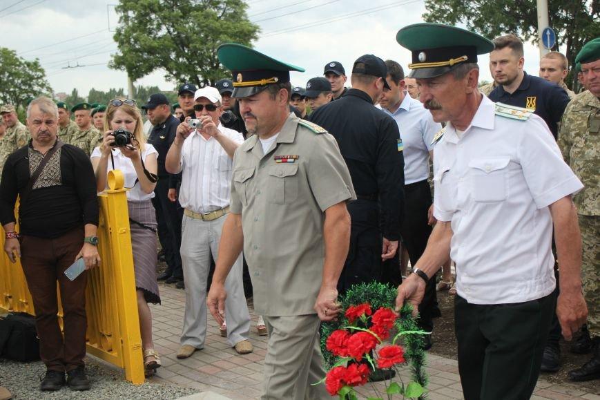 В Мариуполе открыли памятник погибшим пограничникам (ФОТО), фото-20