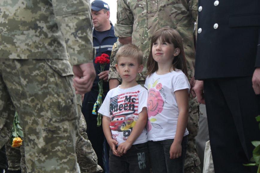 В Мариуполе открыли памятник погибшим пограничникам (ФОТО), фото-23