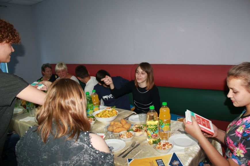 Школьники из Красногоровки отметили выпускной в Мариуполе (ФОТО), фото-3
