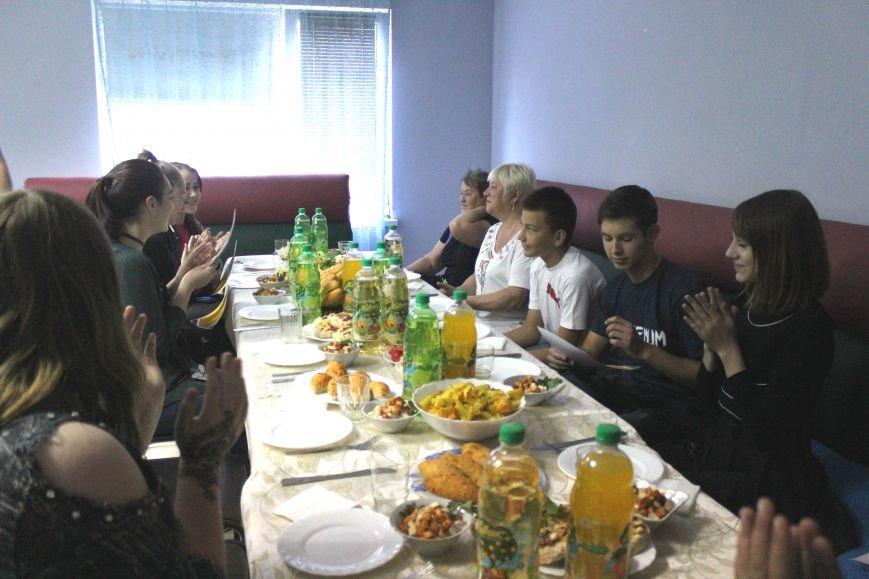 Школьники из Красногоровки отметили выпускной в Мариуполе (ФОТО), фото-2