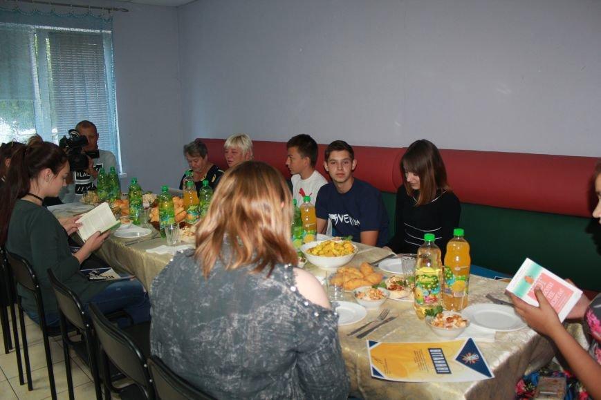 Школьники из Красногоровки отметили выпускной в Мариуполе (ФОТО), фото-4