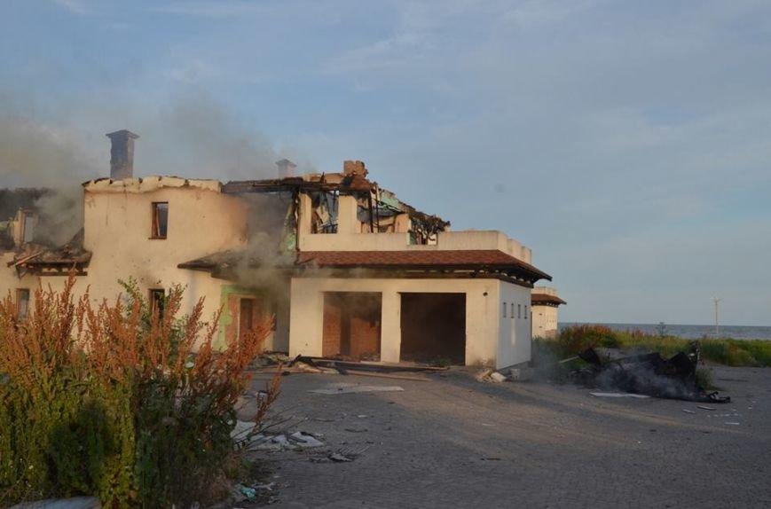 Боевики обстреляли жилой сектора Бердянского. Есть разрушения (ФОТО), фото-10