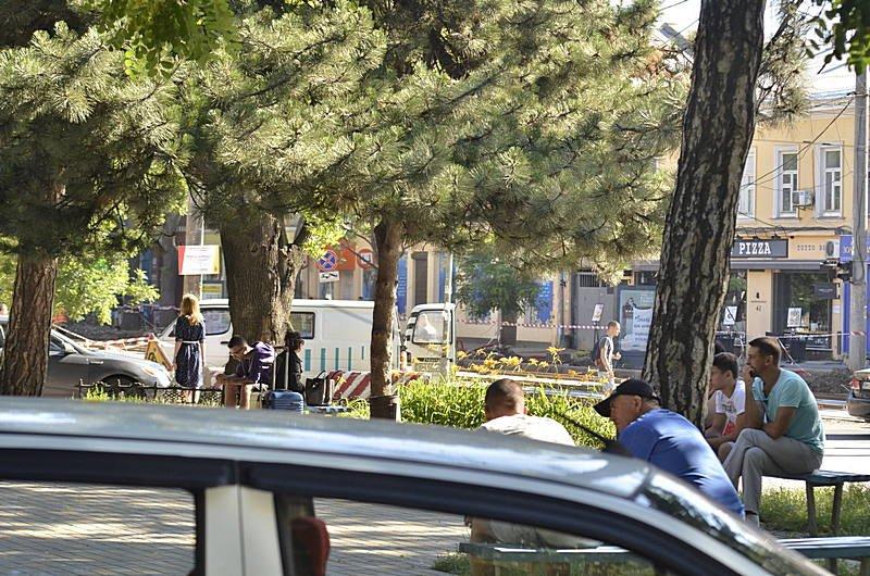 Сотни одесситов толкутся на жаре за загранпаспортами (ВИДЕО, ФОТО), фото-7
