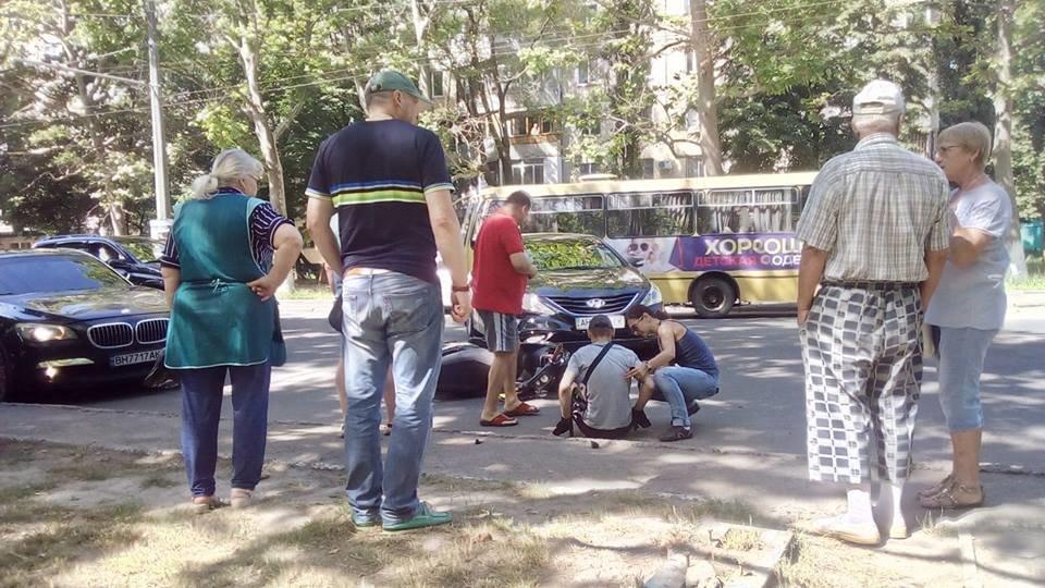 В Одессе на Таирова сбили мопедиста (ФОТО), фото-3