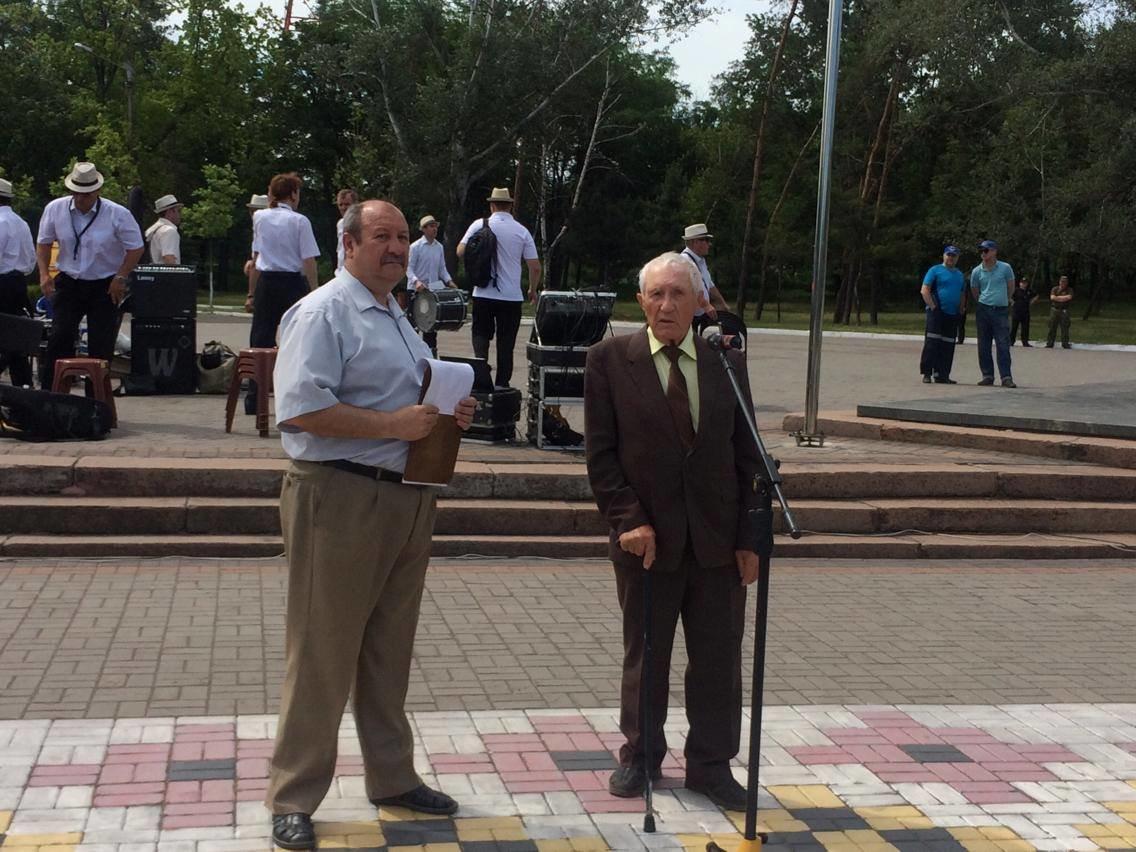 В Мариуполе прошел митинг ко Дню скорби и памяти жертв войны (ФОТО, ВИДЕО), фото-2