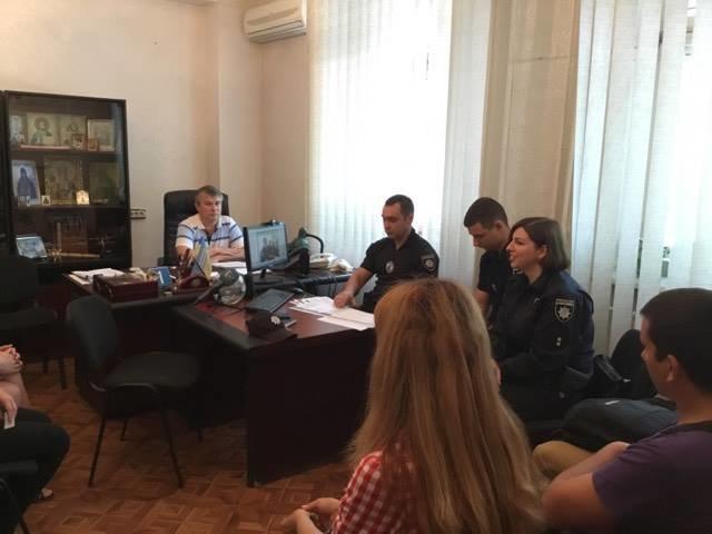 В Мариуполе ищут 111 патрульных полицейских. Завлекают зарплатой и отпуском от 30 дней, фото-3