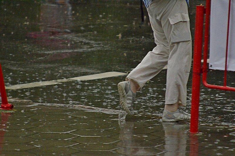 У природы нет другой погоды: Одессу накрыл мощный ливень (ФОТО), фото-12