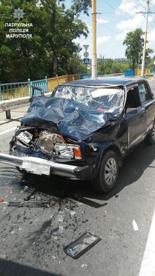 """В Мариуполе """"пятерка"""" врезалась в грузовик. Есть пострадавший (ФОТО+ВИДЕО), фото-2"""