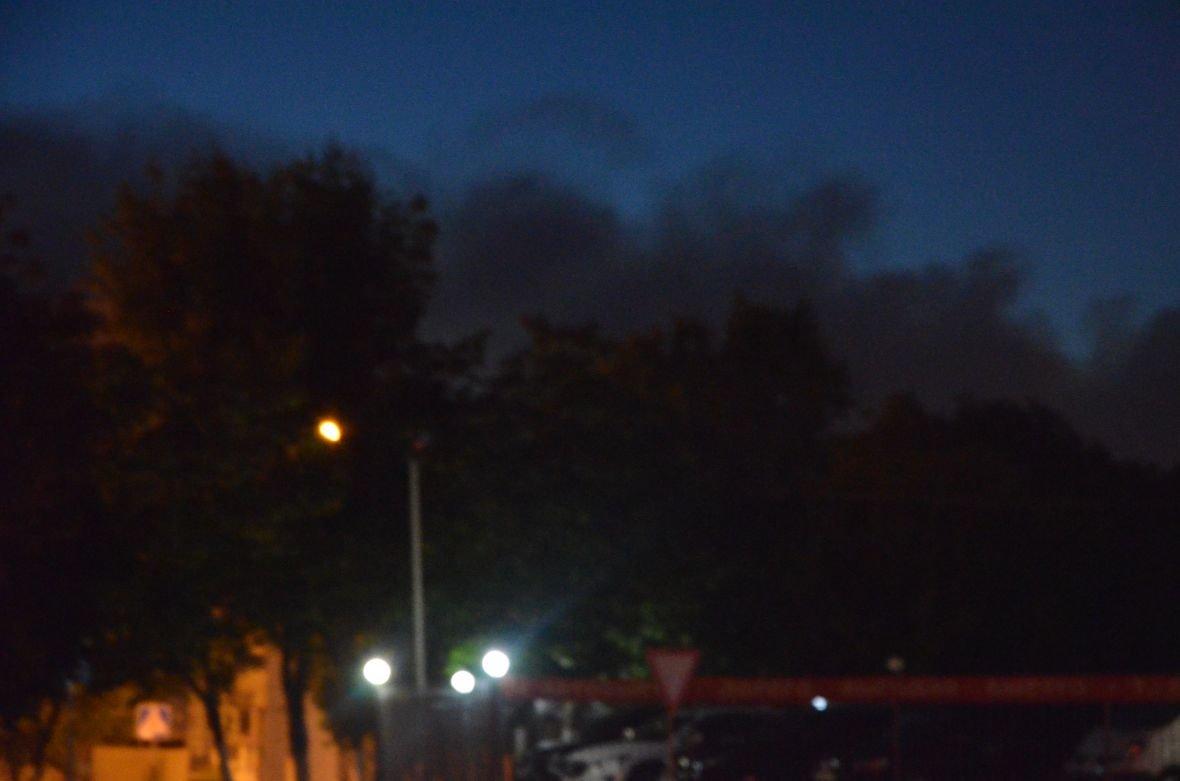 """Загадочный дым над Мариуполем, или как """"травят"""" горожан под покровом ночи (ФОТО), фото-1"""