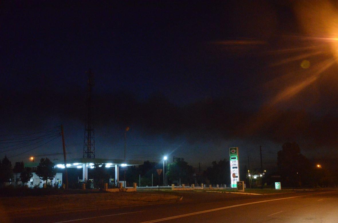 """Загадочный дым над Мариуполем, или как """"травят"""" горожан под покровом ночи (ФОТО), фото-3"""