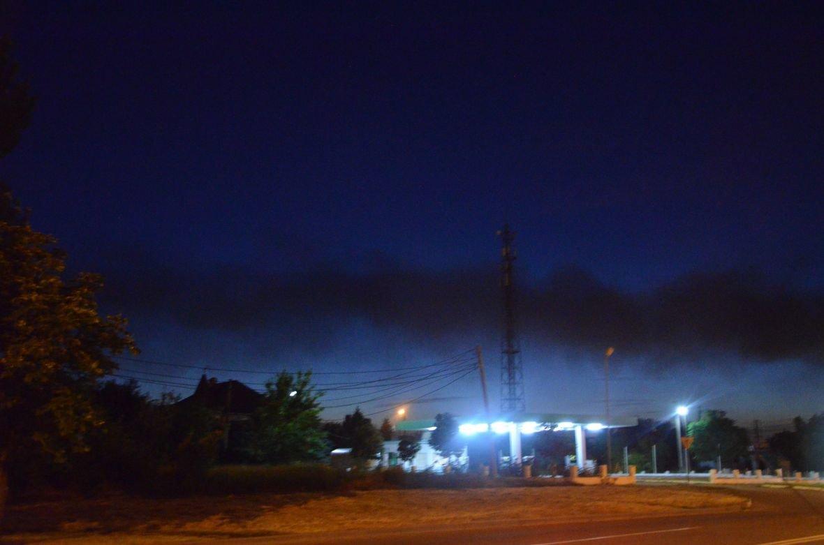 """Загадочный дым над Мариуполем, или как """"травят"""" горожан под покровом ночи (ФОТО), фото-6"""
