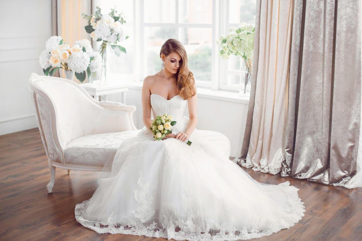 В свадебном салоне Wedding Plaza платья со скидкой 50 %, фото-1