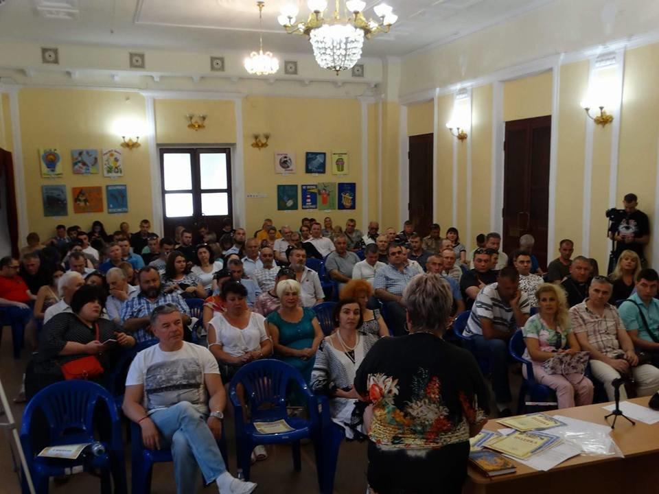 """Активисты, волонтеры и """"титушки"""" пытались воссоздать Общественный совет в Мариуполе (ФОТО), фото-2"""