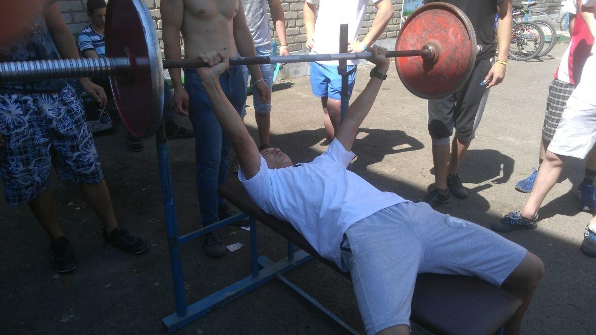 Студенты VS военные: в Авдеевке выясняли, кто сильнее и спортивнее (ФОТОРЕПОРТАЖ), фото-7