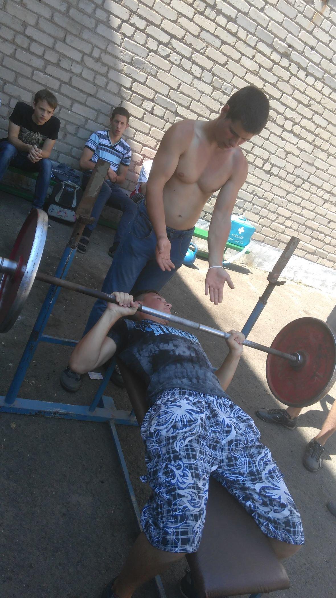 Студенты VS военные: в Авдеевке выясняли, кто сильнее и спортивнее (ФОТОРЕПОРТАЖ), фото-6
