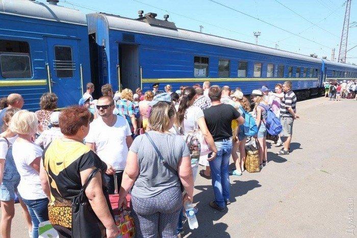 Из Мариуполя в Одессу отправились дети из прифронтовых поселков, фото-7