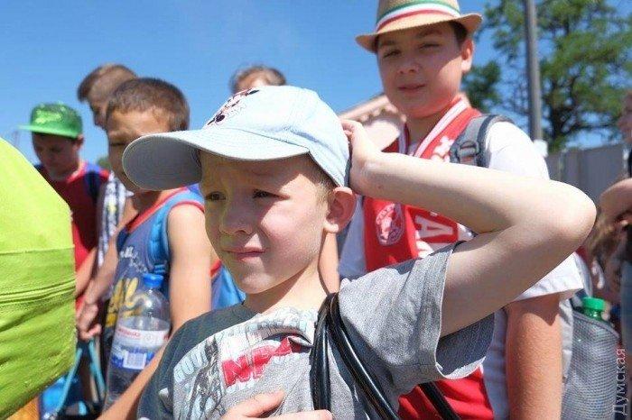 Из Мариуполя в Одессу отправились дети из прифронтовых поселков, фото-1