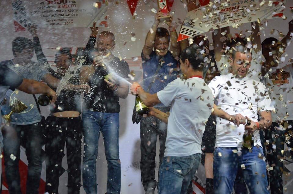 «На скорости»: спортивный праздник  завершили дождем из шампанского и золотым конфети (ФОТО), фото-8
