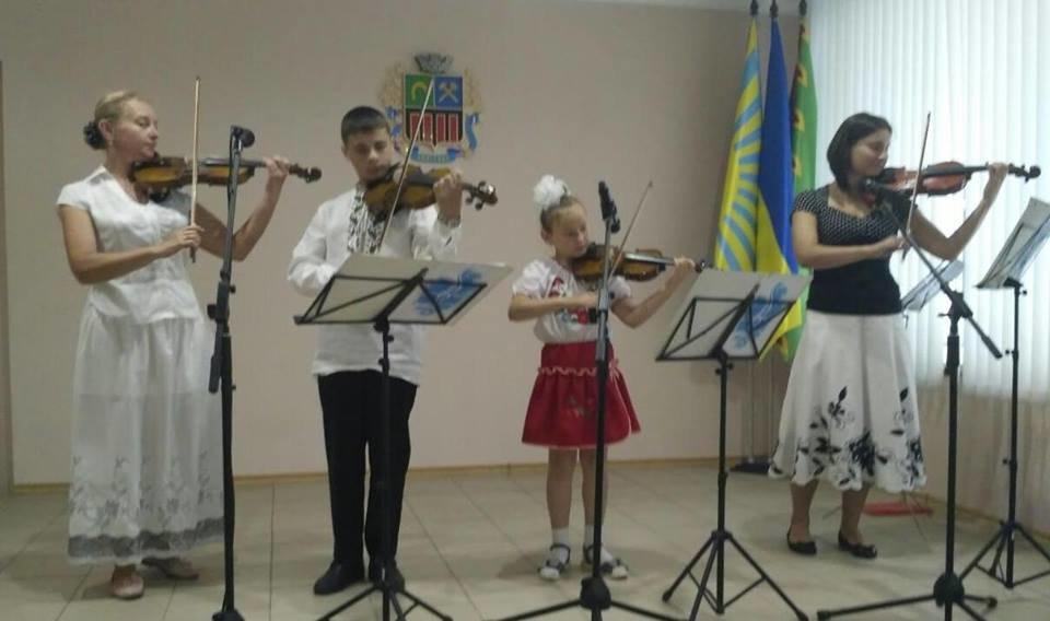 В Авдеевке поздравили работников бухгалтерии с профессиональным праздником (ФОТО), фото-7