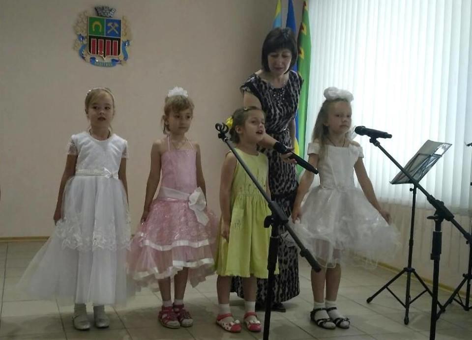 В Авдеевке поздравили работников бухгалтерии с профессиональным праздником (ФОТО), фото-6