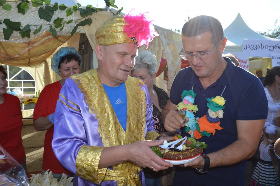 Заводчане АКХЗ организовали для жителей города настоящий фестиваль еды (ФОТОФАКТ), фото-33