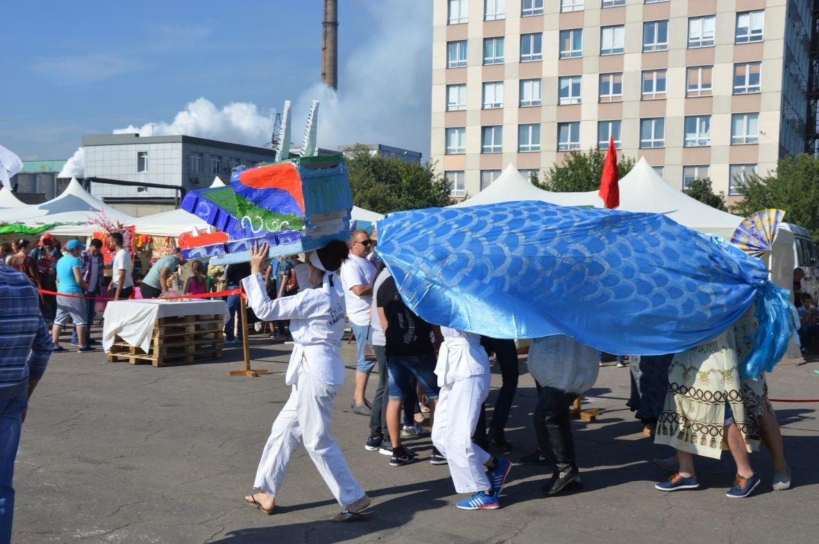 Заводчане АКХЗ организовали для жителей города настоящий фестиваль еды (ФОТОФАКТ), фото-1