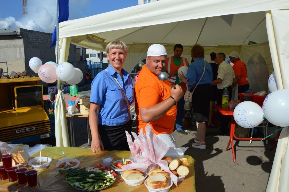 Заводчане АКХЗ организовали для жителей города настоящий фестиваль еды (ФОТОФАКТ), фото-10